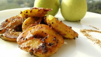 Khatta Mitha Apple Vegetable - Plattershare - Recipes, Food Stories And Food Enthusiasts