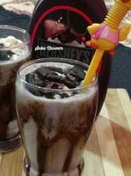 Oreo Milkshake - Plattershare - Recipes, Food Stories And Food Enthusiasts