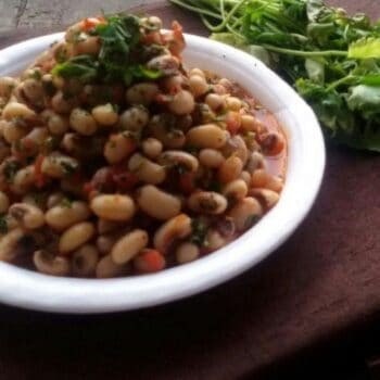 Chora Nu Shaak (Black Eyed Bean Curry) - Plattershare - Recipes, Food Stories And Food Enthusiasts