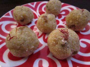 Quinoa Ladoos - Plattershare - Recipes, Food Stories And Food Enthusiasts