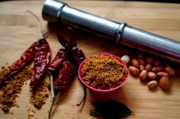 Roasted Peanut And Curry Leaves Powder - Plattershare - Recipes, Food Stories And Food Enthusiasts