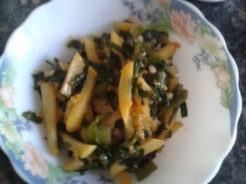 Hare Pyaaz And Aloo - Plattershare - Recipes, Food Stories And Food Enthusiasts