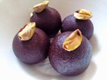 Kaala Gulab Jamoon (Dry Gulab Jamoon) - Plattershare - Recipes, Food Stories And Food Enthusiasts