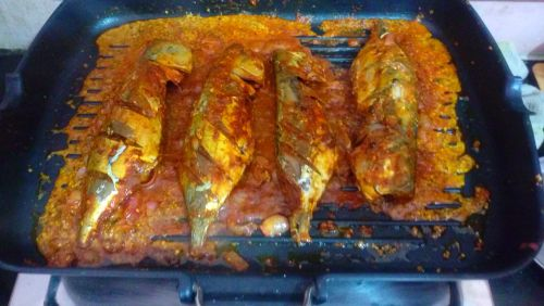Grilled Mackerel With Roasted Garlic In Whole Grain Mustard Sauce - Plattershare - Recipes, Food Stories And Food Enthusiasts