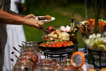 How To Reach Out The Right Catering Company For Your Special Occasion? - Plattershare - Recipes, Food Stories And Food Enthusiasts