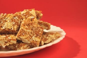 Chikki Chronicles: The Indian Peanut Brittle That Defines Winter Snacking - Plattershare - Recipes, Food Stories And Food Enthusiasts