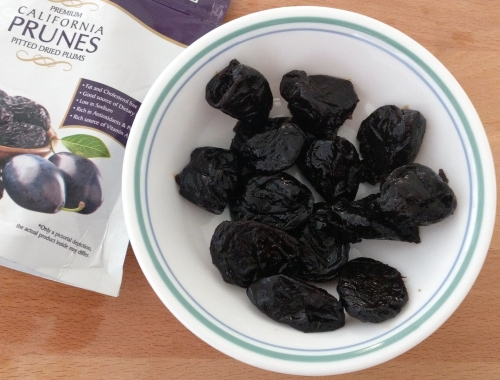All About Prunes - Prune Juice, Health Benefits Of Prunes, Prune Juice Recipe And More - Plattershare - Recipes, Food Stories And Food Enthusiasts