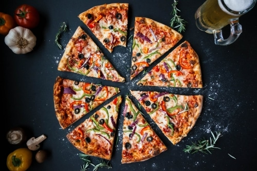 Baking Pizza In A Wood-Fired Oven - Plattershare - Recipes, Food Stories And Food Enthusiasts