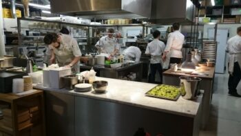 Restaurant Kitchen Layout: How To Optimise It - Plattershare - Recipes, Food Stories And Food Enthusiasts