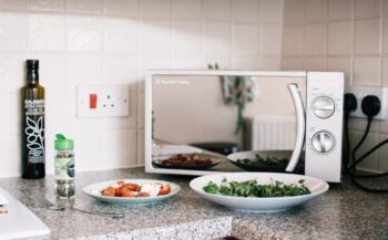 Foods You Should Never Cook In The Microwave - Plattershare - Recipes, Food Stories And Food Enthusiasts