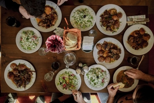 Best Ideas On How To Organize Cozy Family Dinner - Plattershare - Recipes, Food Stories And Food Enthusiasts