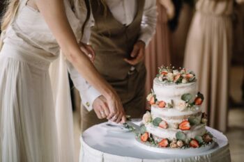 8 Tips For Choosing The Perfect Wedding Cake - Plattershare - Recipes, Food Stories And Food Enthusiasts