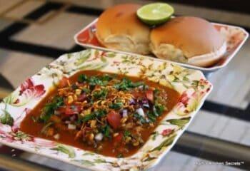 Kolhapuri Misal - Plattershare - Recipes, Food Stories And Food Enthusiasts