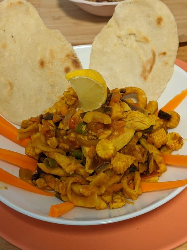 Steamed Paratha Noodles (With Tomato, Chicken, Capsicum, Baby Corn With Few Cashews) - Plattershare - Recipes, Food Stories And Food Enthusiasts